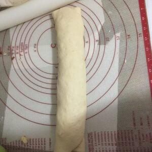 Bacon peperoni pizza rolls