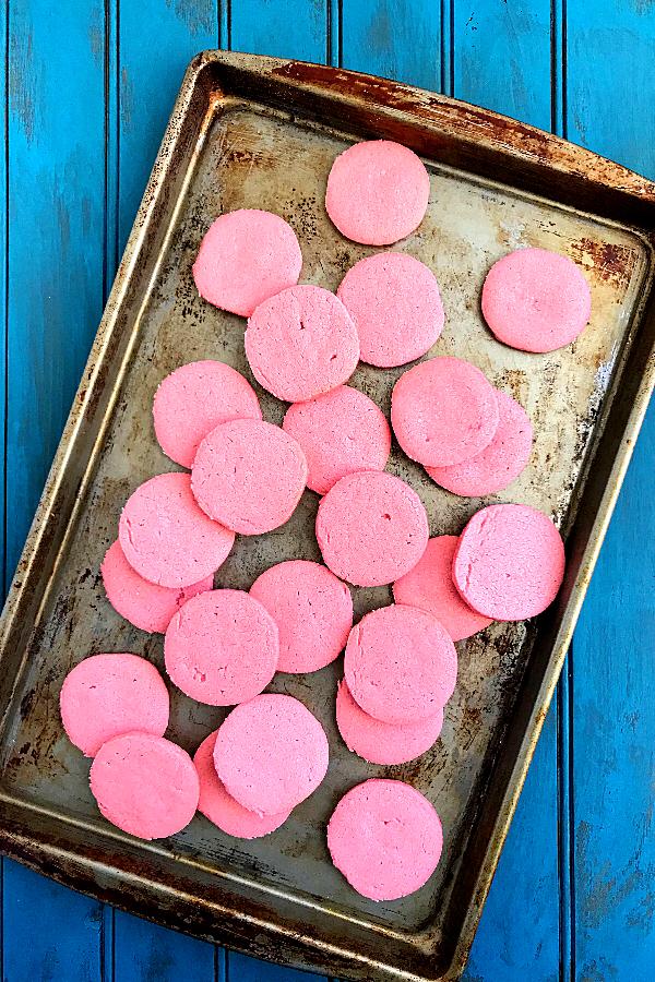 strawberry lemonade cookies in a baking sheet